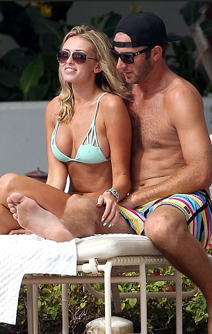 paulina-gretzky-bikini-dustin-johnson-hat