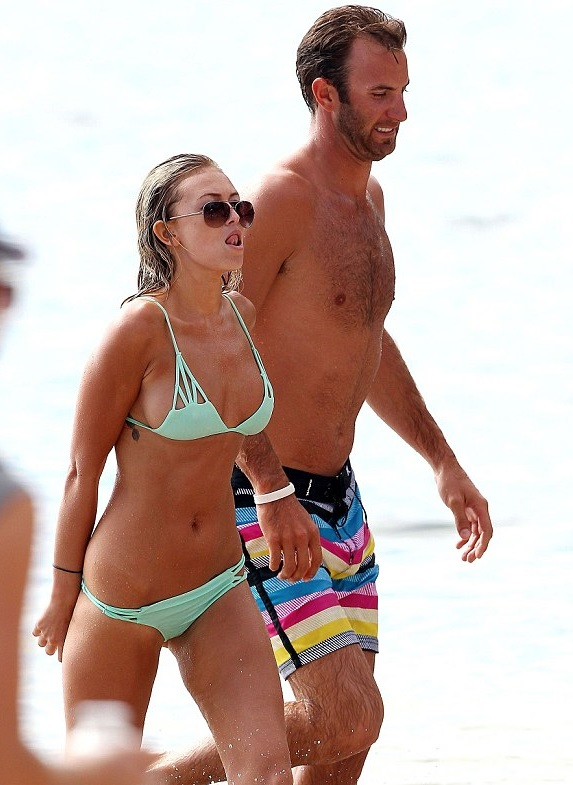 paulina-gretzky-dustin-johnson-beach1